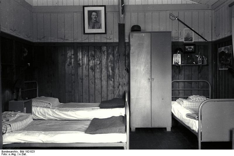 Bundesarchiv Bild 192-023, KZ Mauthausen, SS-Baracke