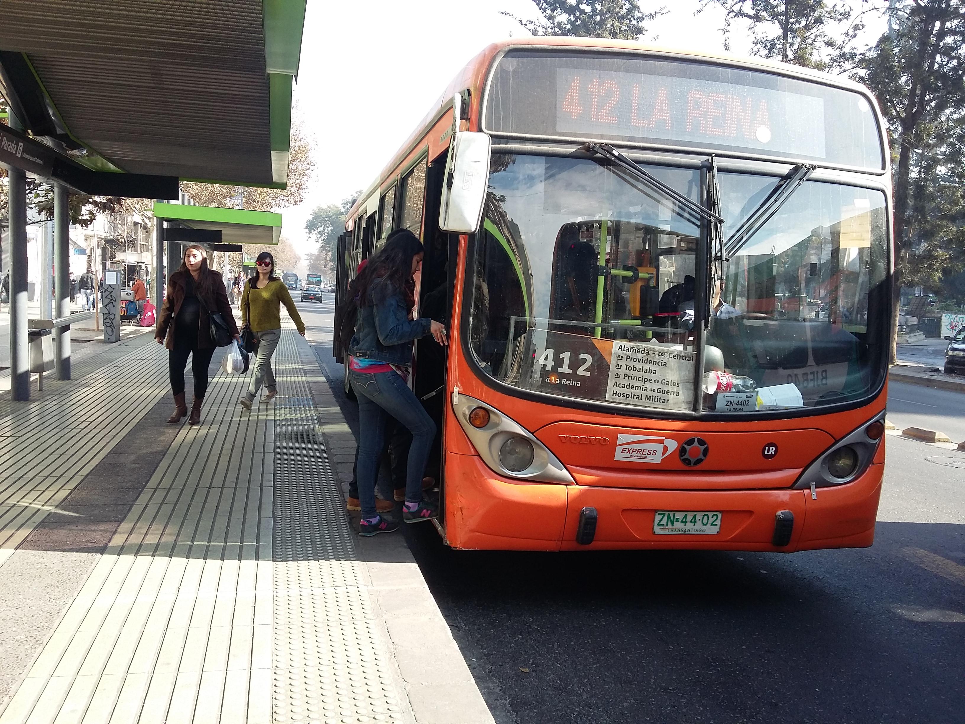 Bus_del_Transantiago.jpg