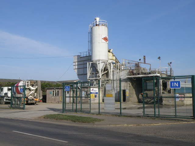 File:Cemex concrete batching plant - geograph org uk
