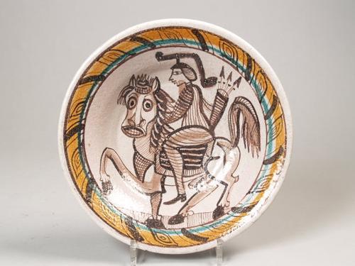 File de lerma luigi schaal met decoratie van ruiter te paard in