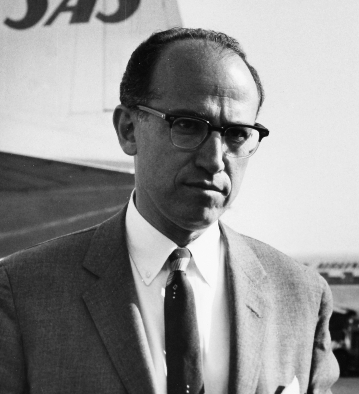 dr jonas salk polio vaccine Before his breakthrough vaccine, polio killed and paralyzed thousands every  year.