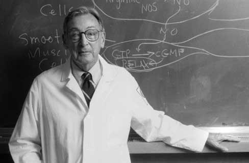 Dr. Robert F. Furchgott. Źródło: Wikipedia