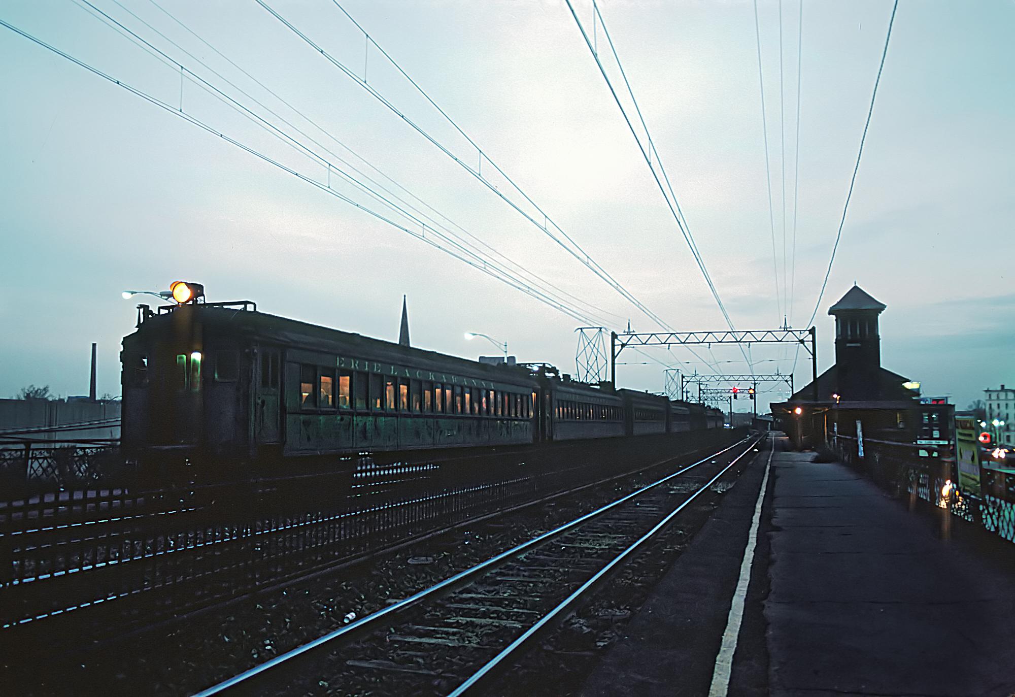 File:EL Newark, Lackawanna Station, Newark, NJ, November