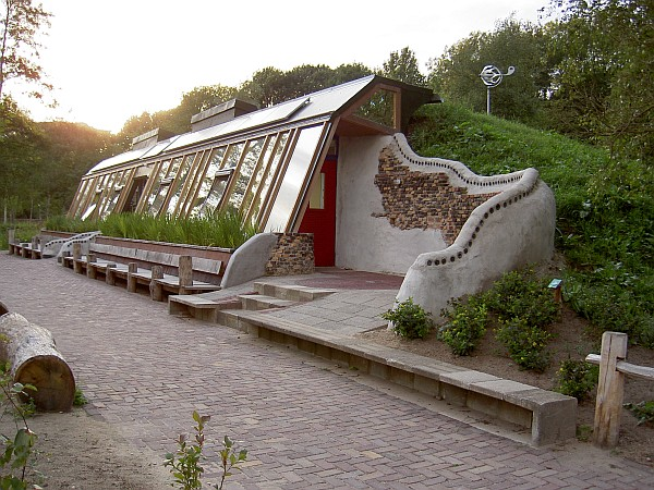 House of fallen timbers earthships for Earthen home designs