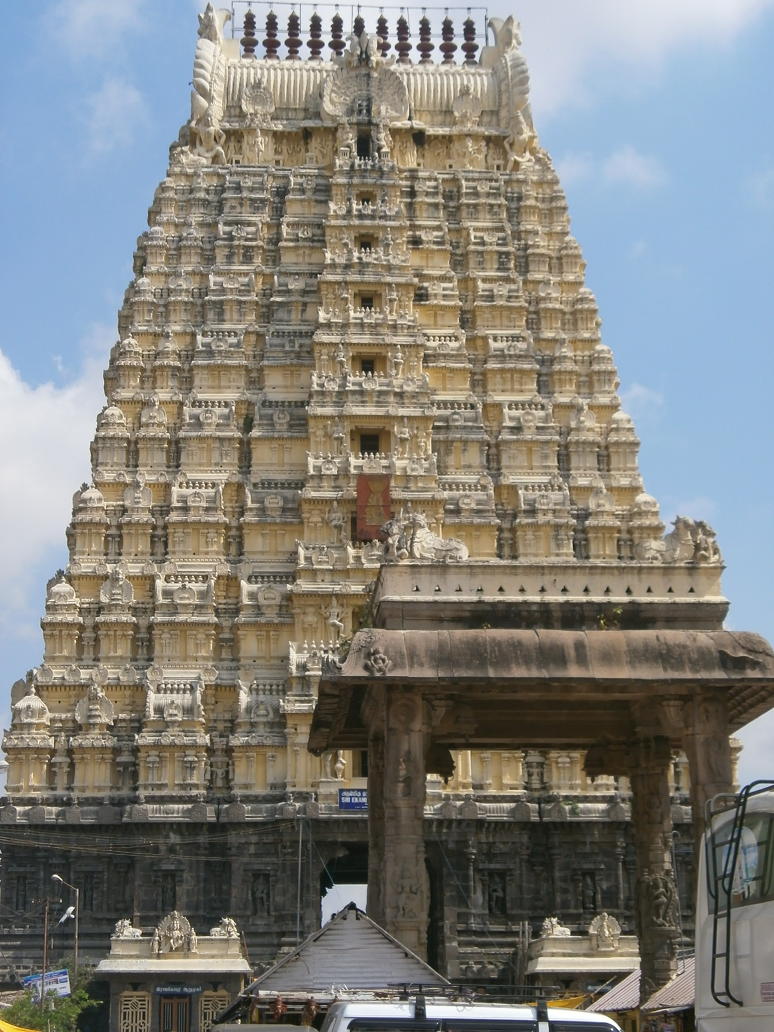 Ekambareswarar-Temple-Kanchipuram-South-India