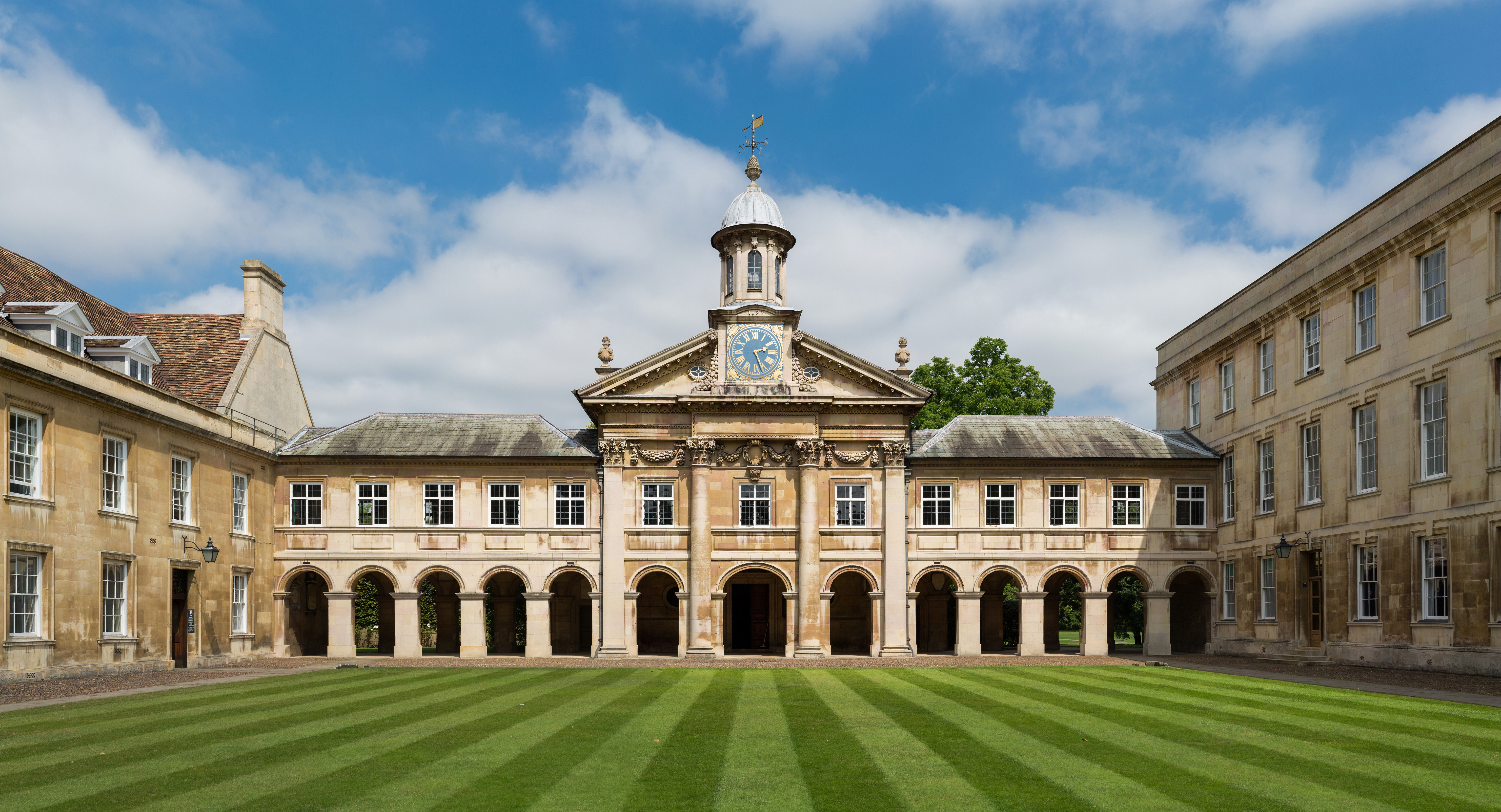file emmanuel college front court cambridge uk diliff jpg