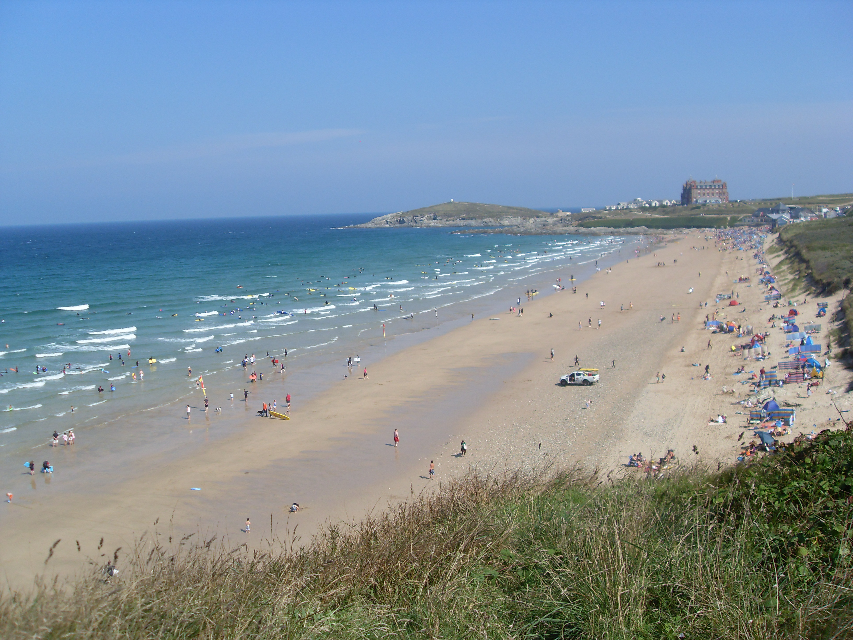 File:Fistral Beach.jpg - Wikimedia Commons