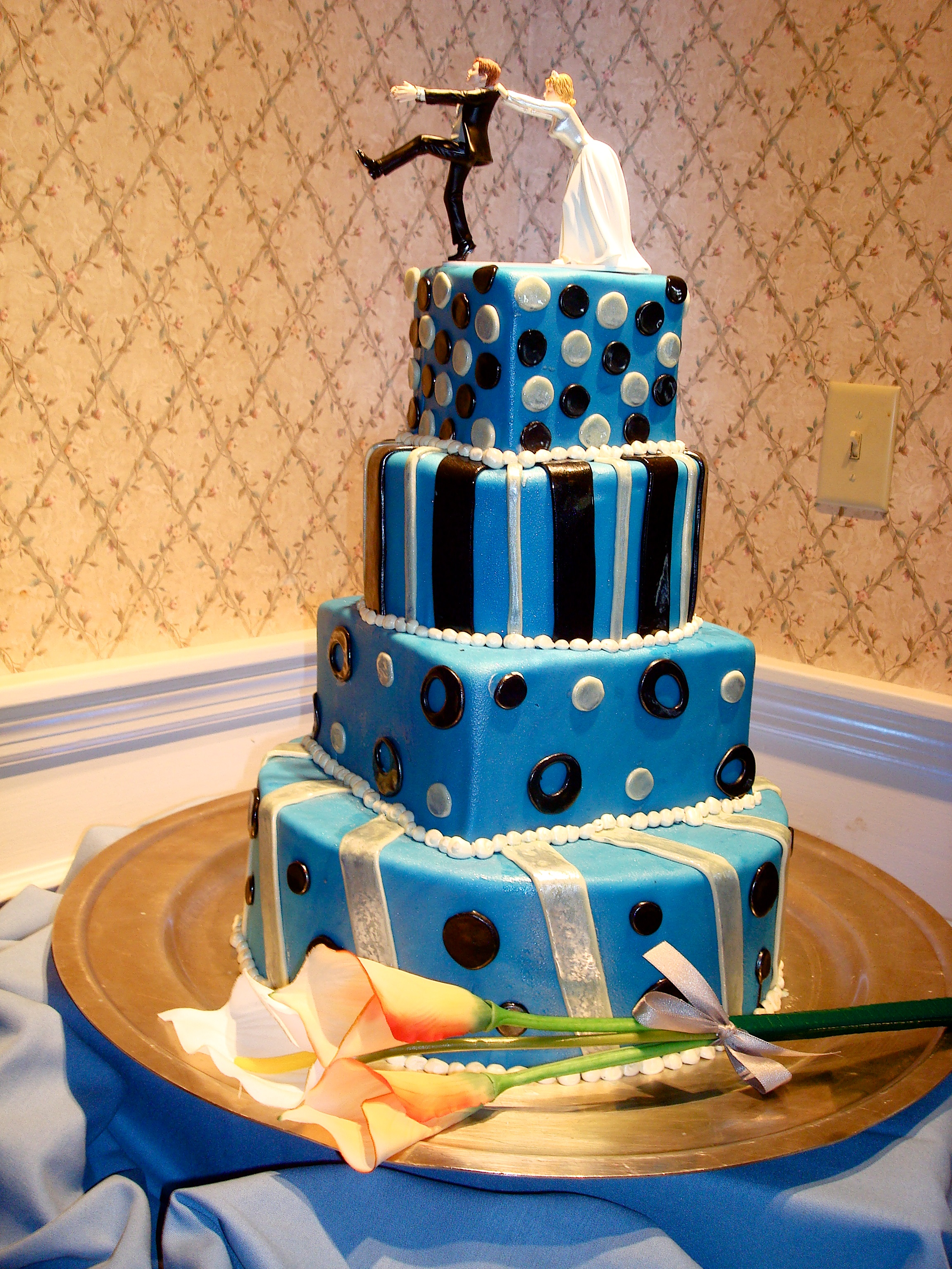 Fun Wedding Cakes Pinterest