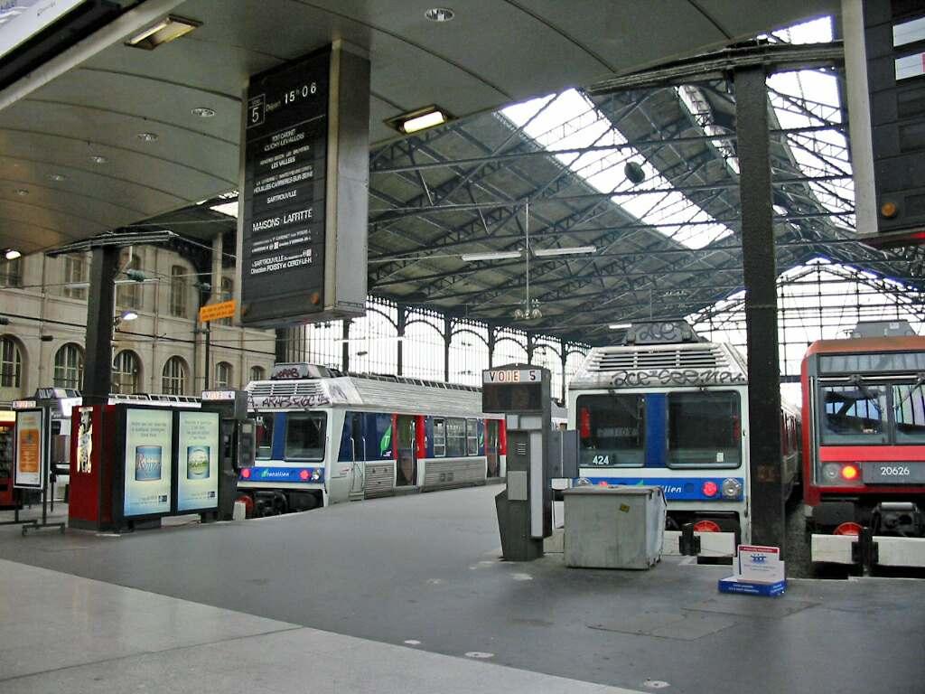 File gare saint wikimedia commons for Garage morigny champigny