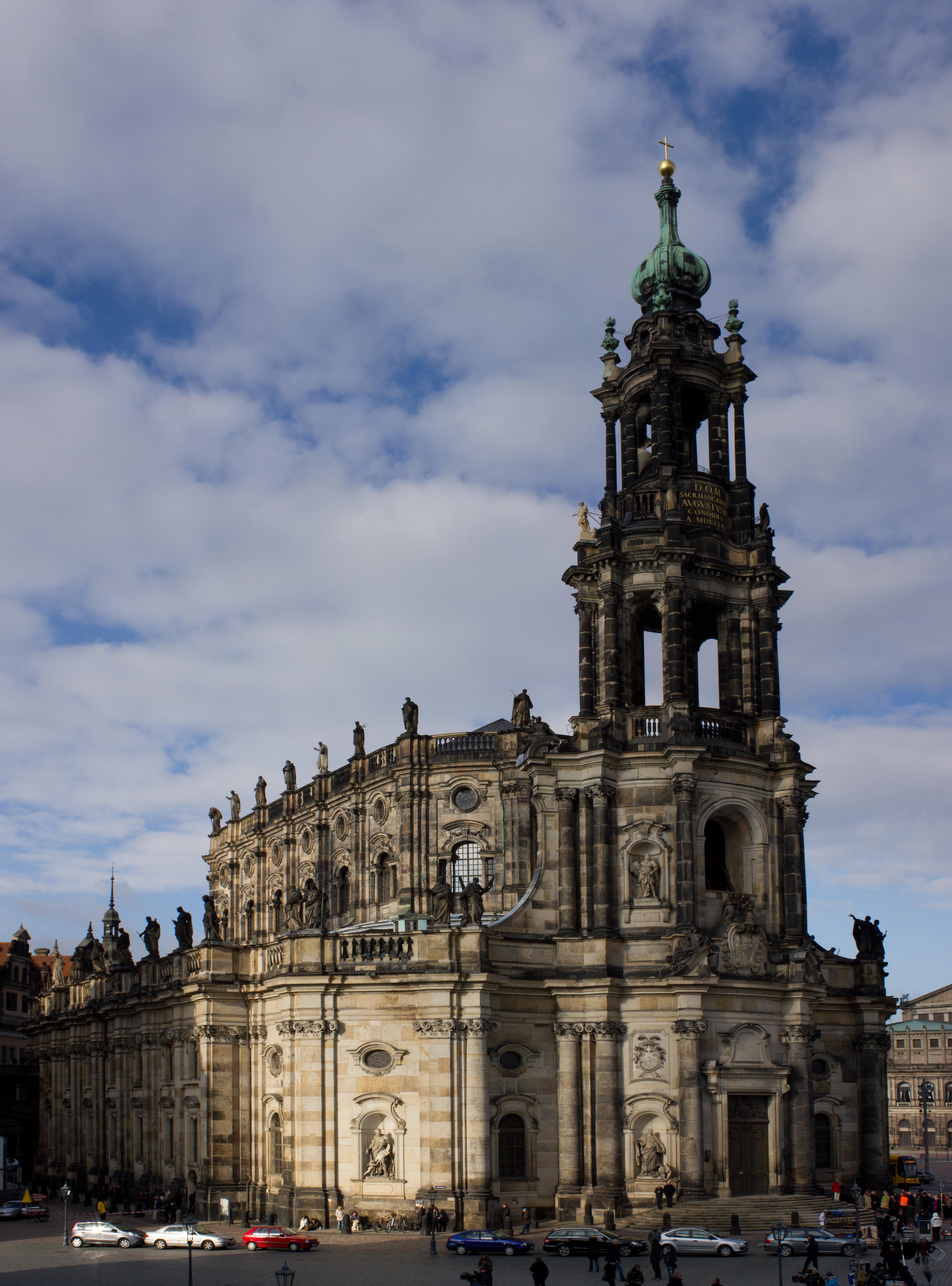 Hofkirche in Dresden.jpg