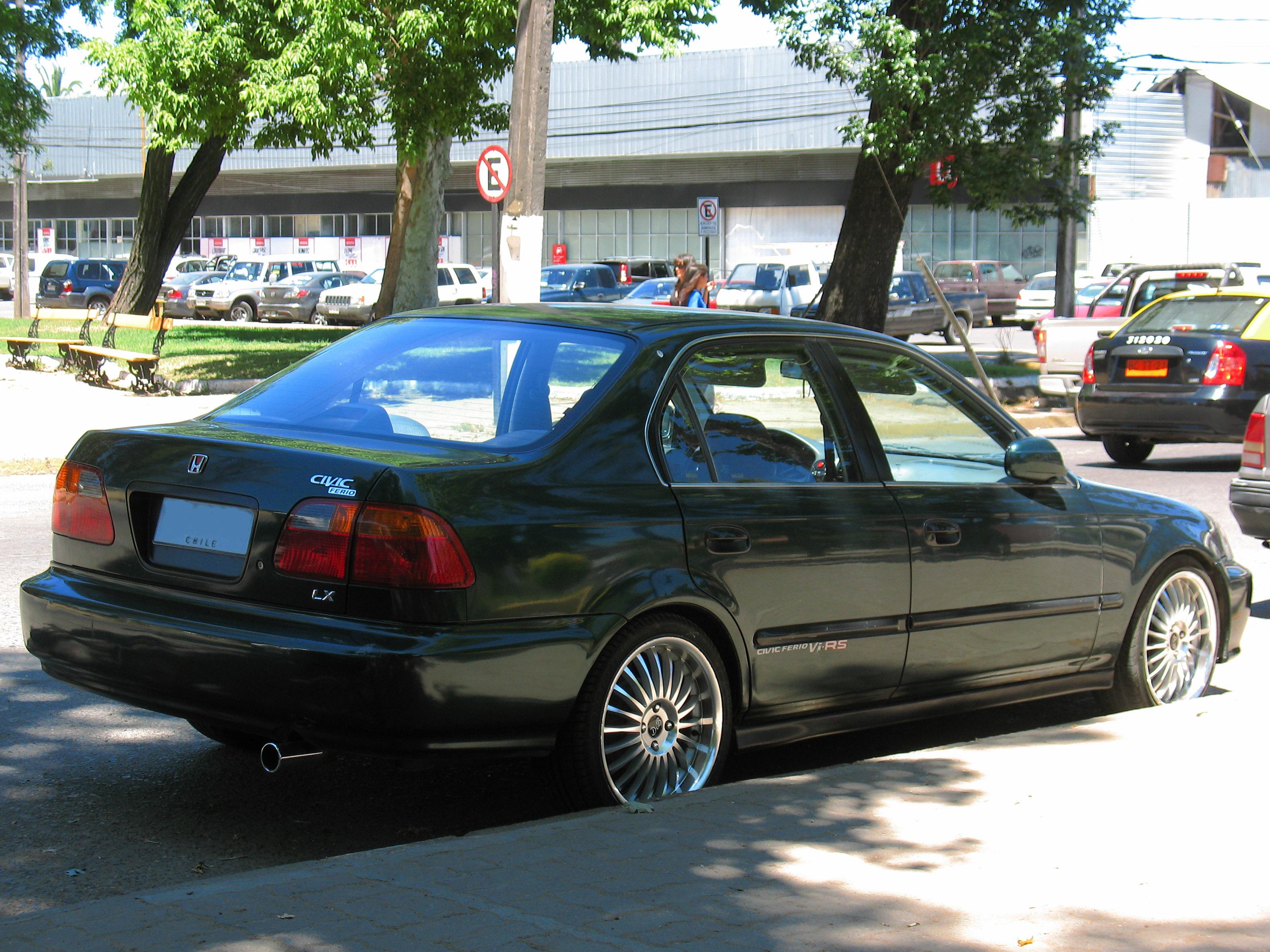 File:Honda Civic 1.6 LX 2000 (15918027995)