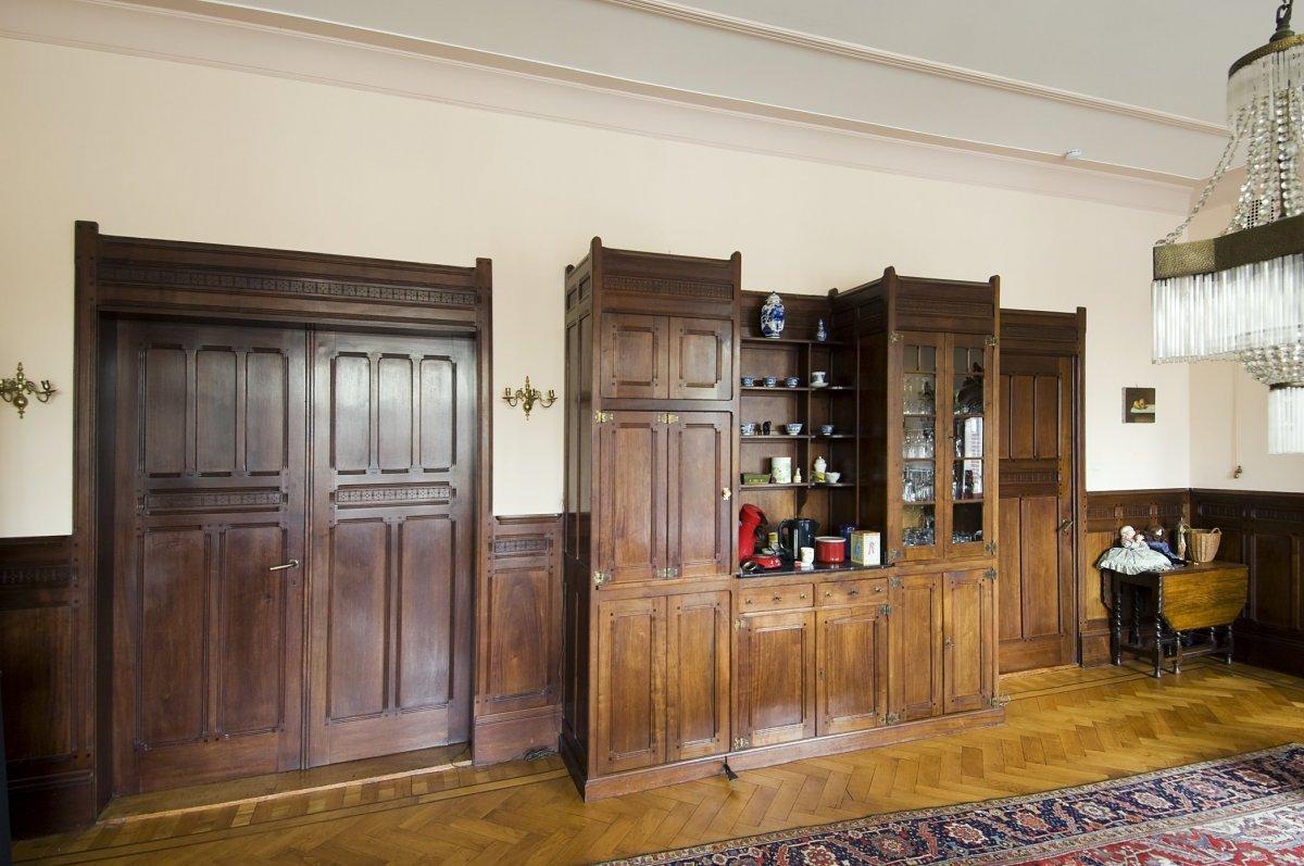 File:Interieur, kast en deuren in de woonkamer - Amsterdam ...