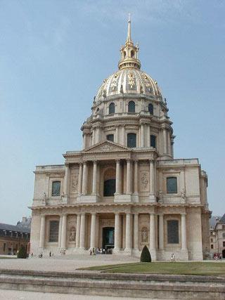 Les Invalids kirkko, Pariisi. Tekijä (Andrew Levine) on luopunut oikeuksistaan (public domain).