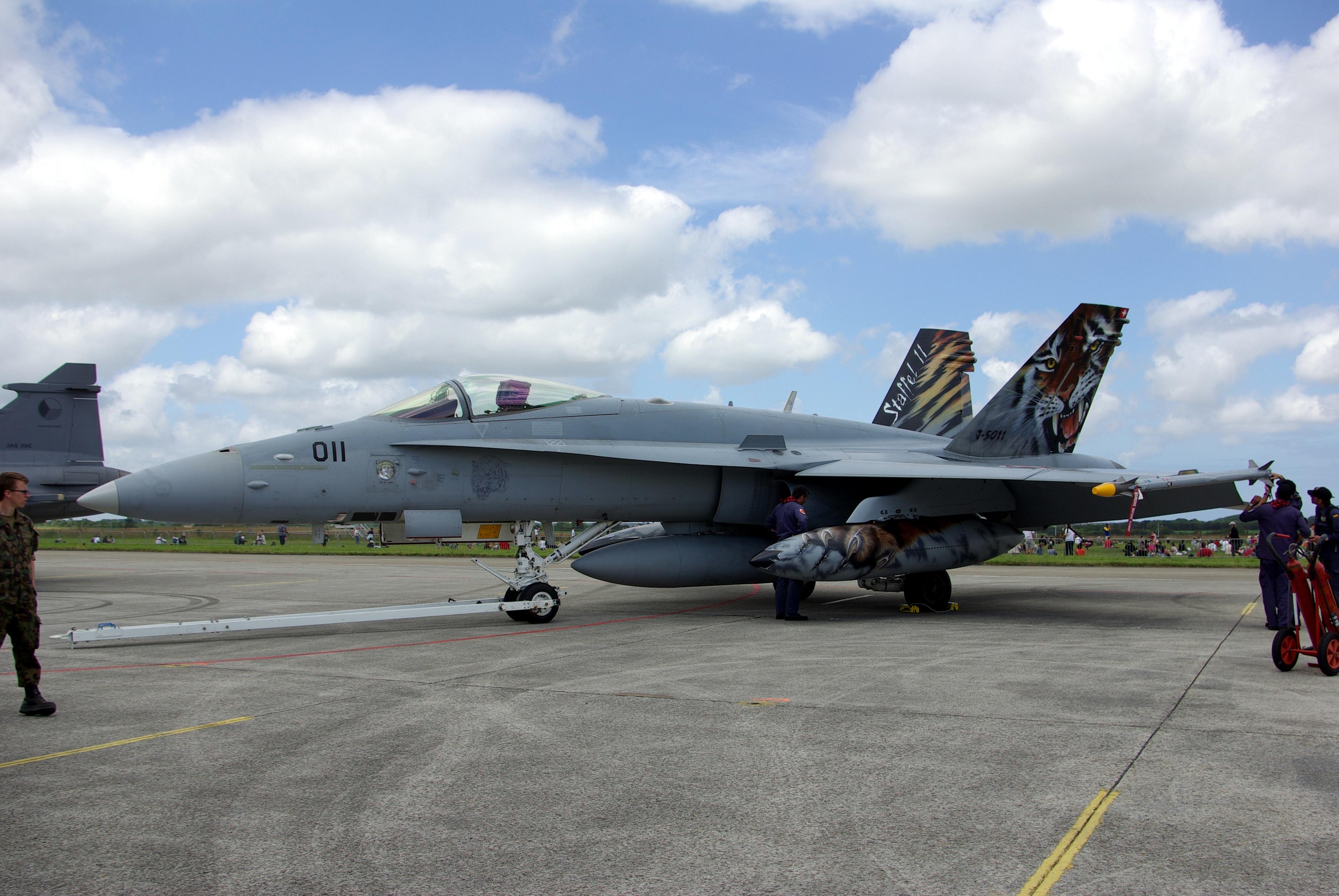 File:J-5011 F-18 Tiger Meet.jpg - Wikimedia Commons