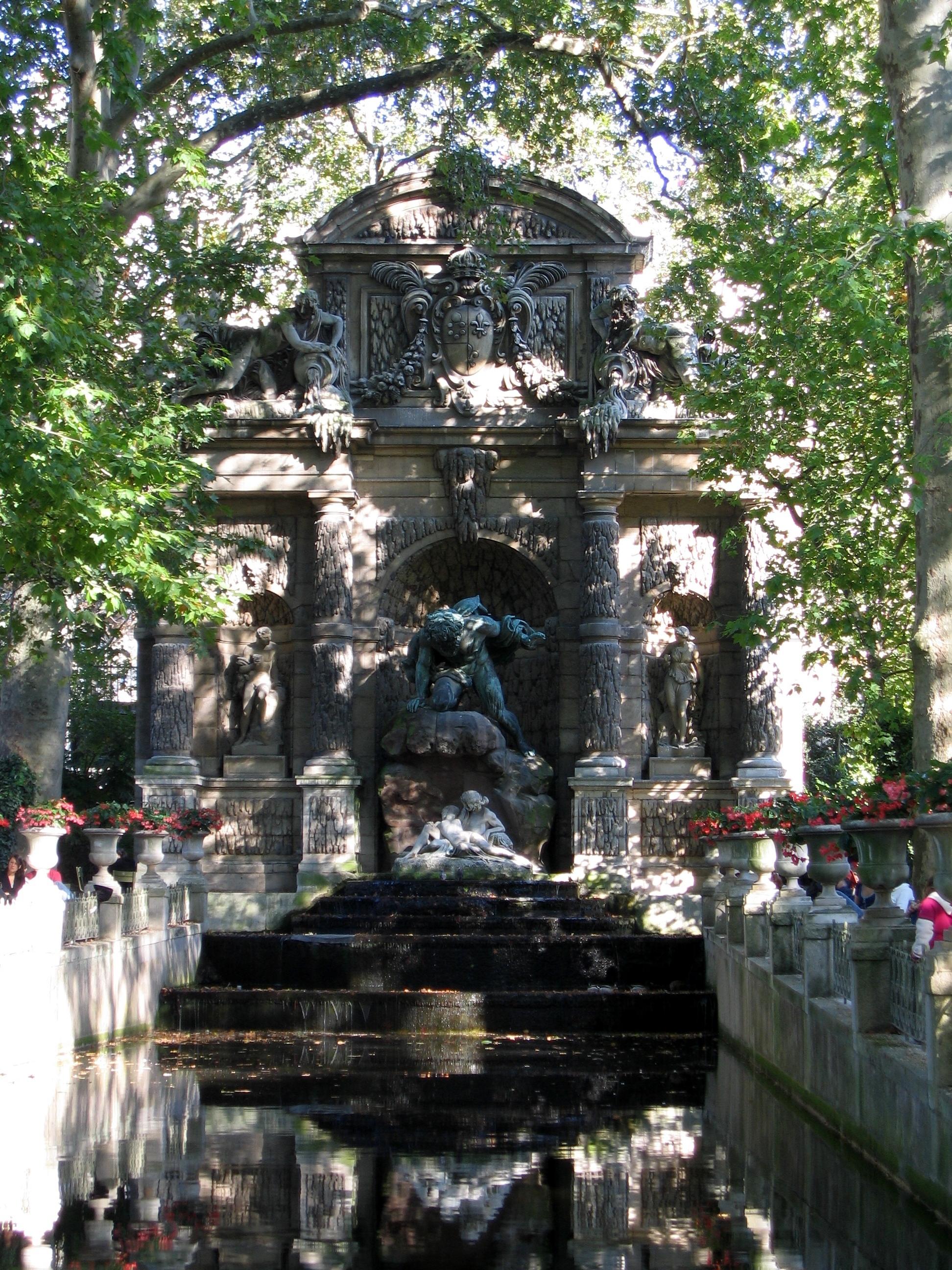 File la fontaine medicis au jardin du luxembourg jpg for Au jardin du luxembourg