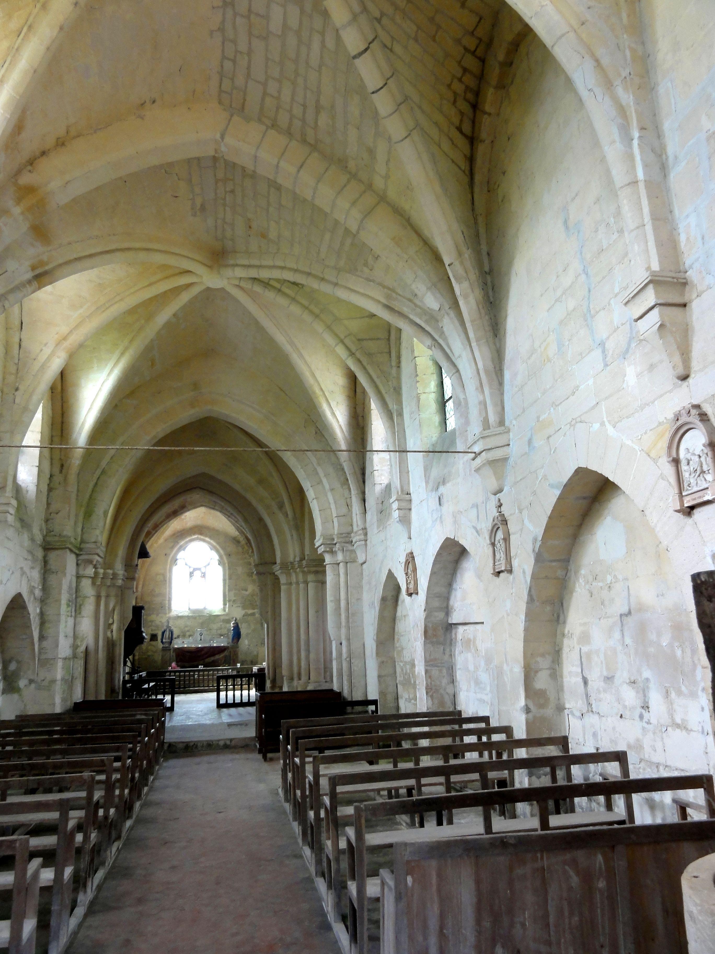 File laigneville 60 glise saint remi int rieur rue for Interieur eglise
