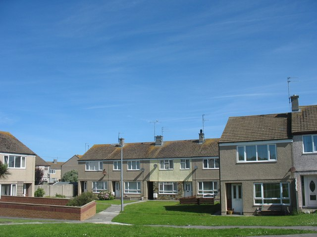 File:Local authority housing in Llaingoch - geograph org uk