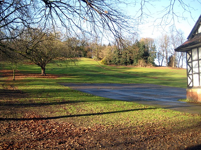 Lowe Hill, Clarence Park - geograph.org.uk - 1076579