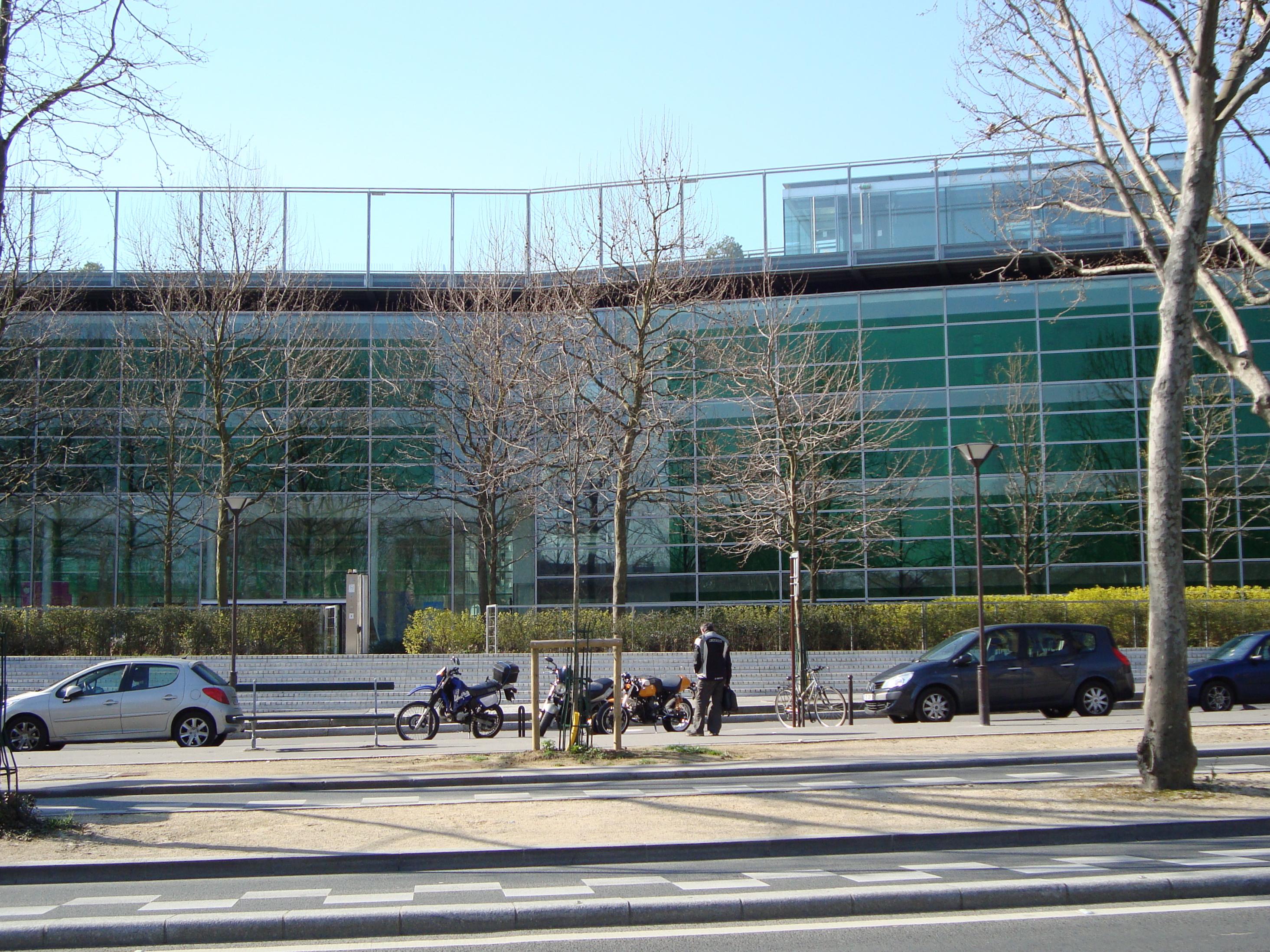 Fichier:Maison de Solene - Cochin.JPG — Wikipédia
