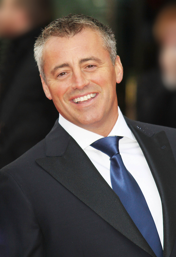 The 50-year old son of father Paul LeBlanc and mother Pat Grossman, 176 cm tall Matt LeBlanc in 2017 photo