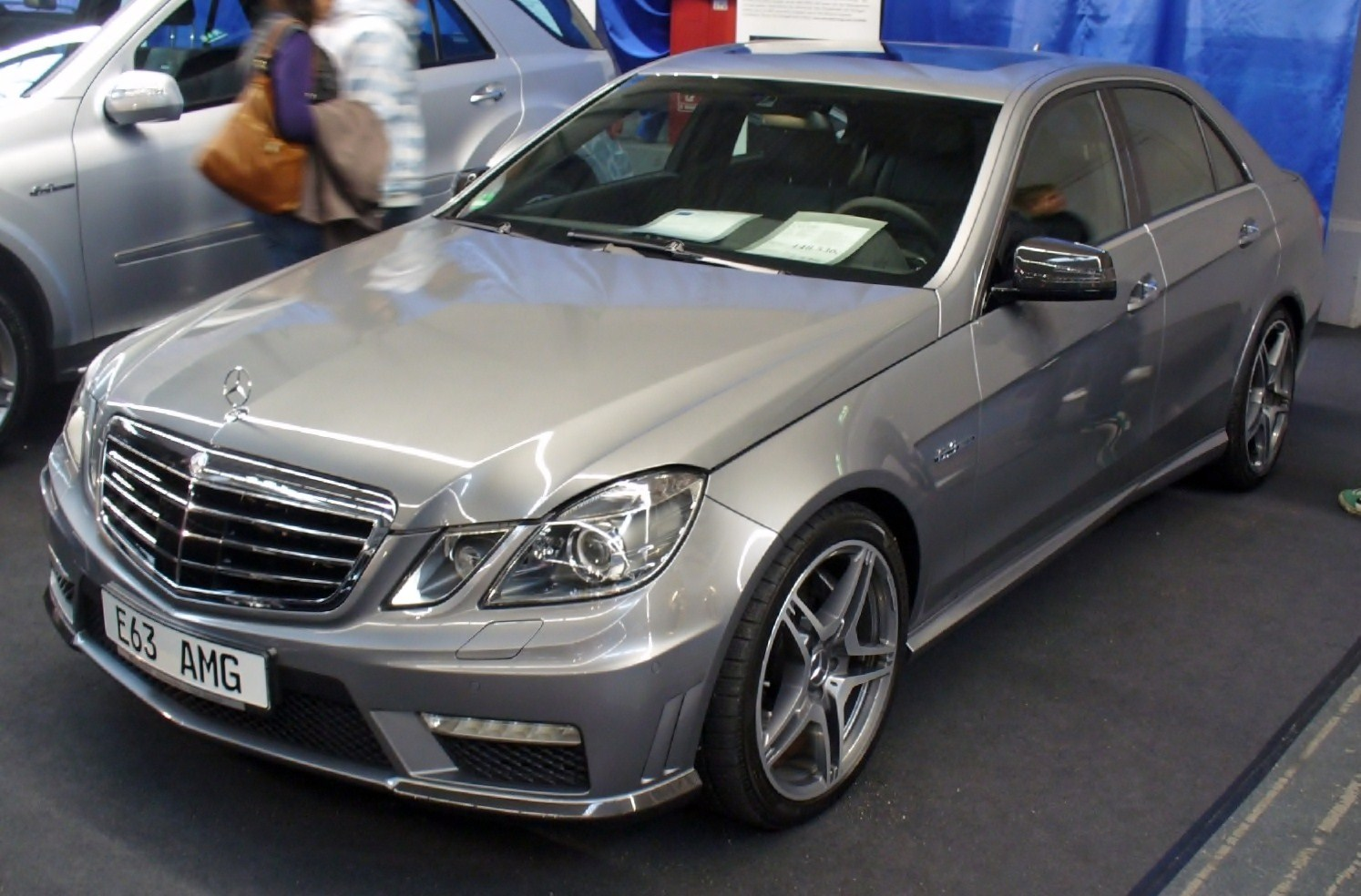 File mercedes benz w212 e 63 amg wikimedia commons for Mercedes benz wiki