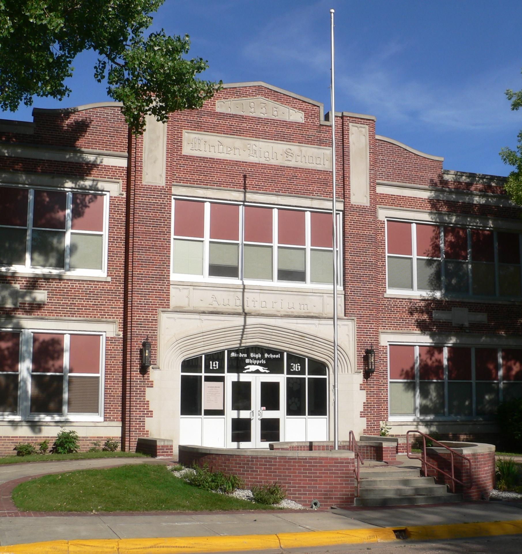 Fileminden nebraska high school center from e 1jpg for Sch ne küchen