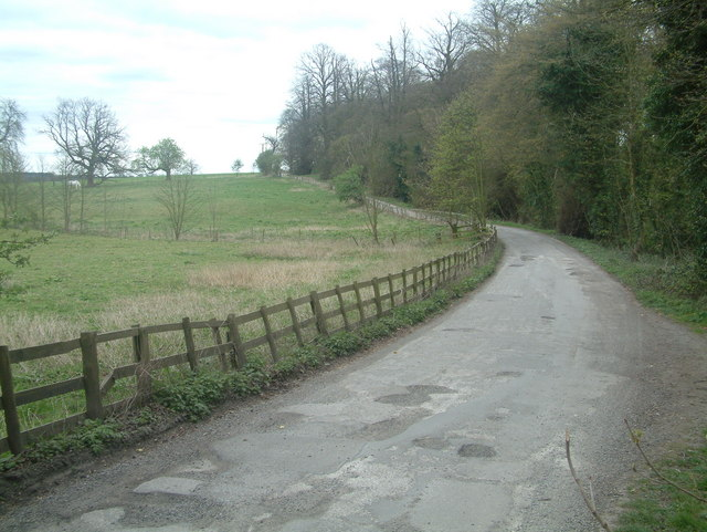 North West access Road and Footpath to Bretby Park - geograph.org.uk - 398076
