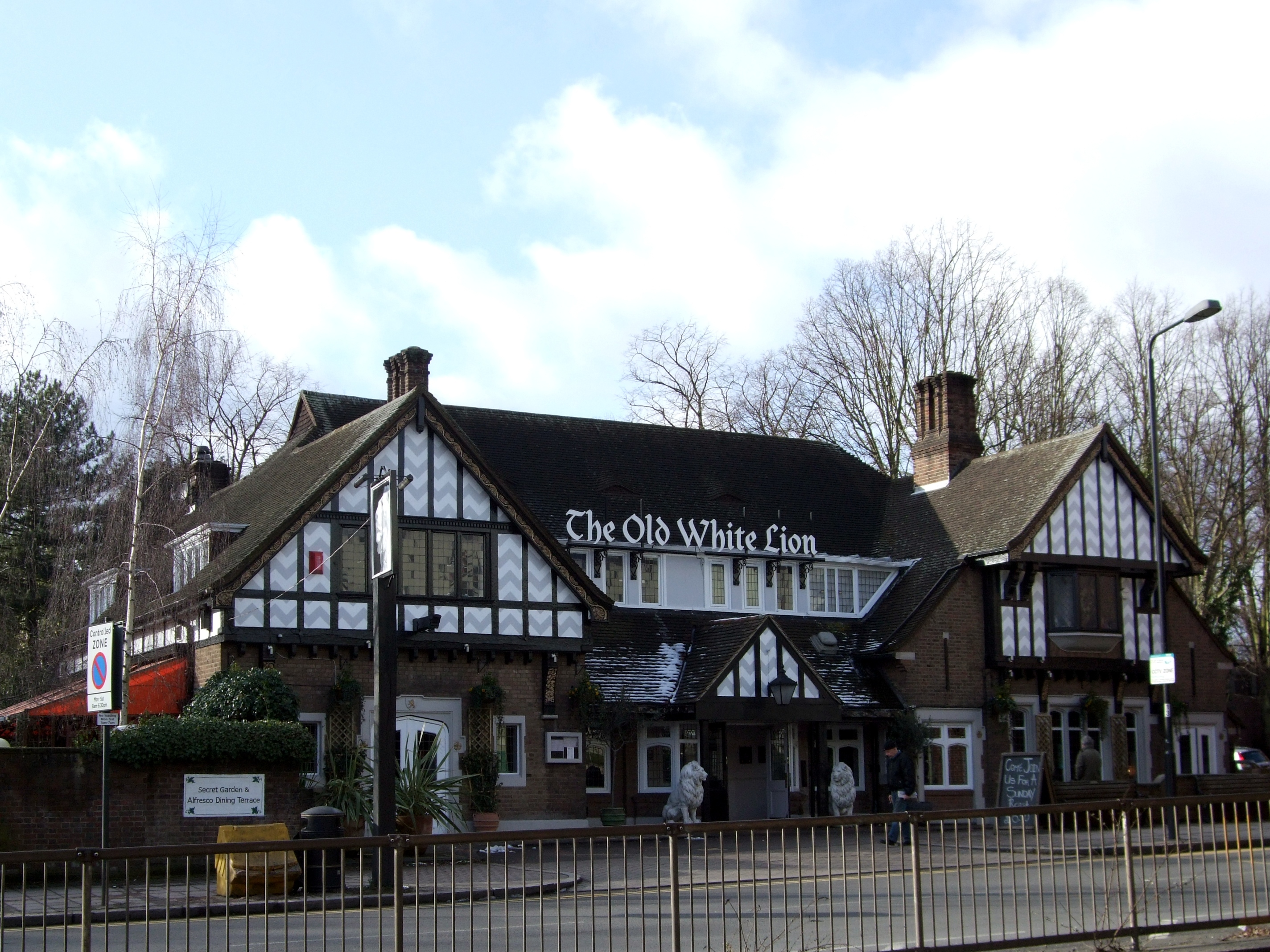 File Old White Lion  East Finchley  N2 Jpg