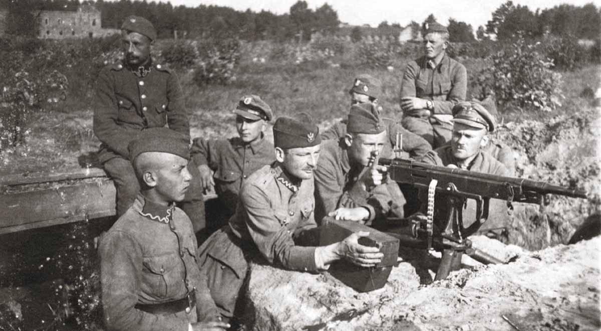 [Imagen: Polish-soviet_war_1920_Polish_defences_n...August.jpg]