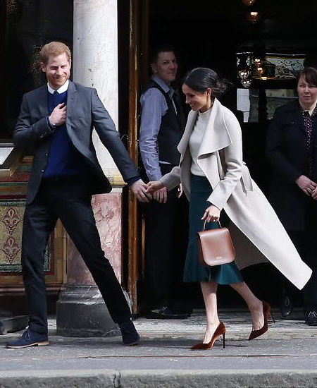 Prince Harry and Meghan Markle visit Belfast's Crown Liquor Saloon - 2018