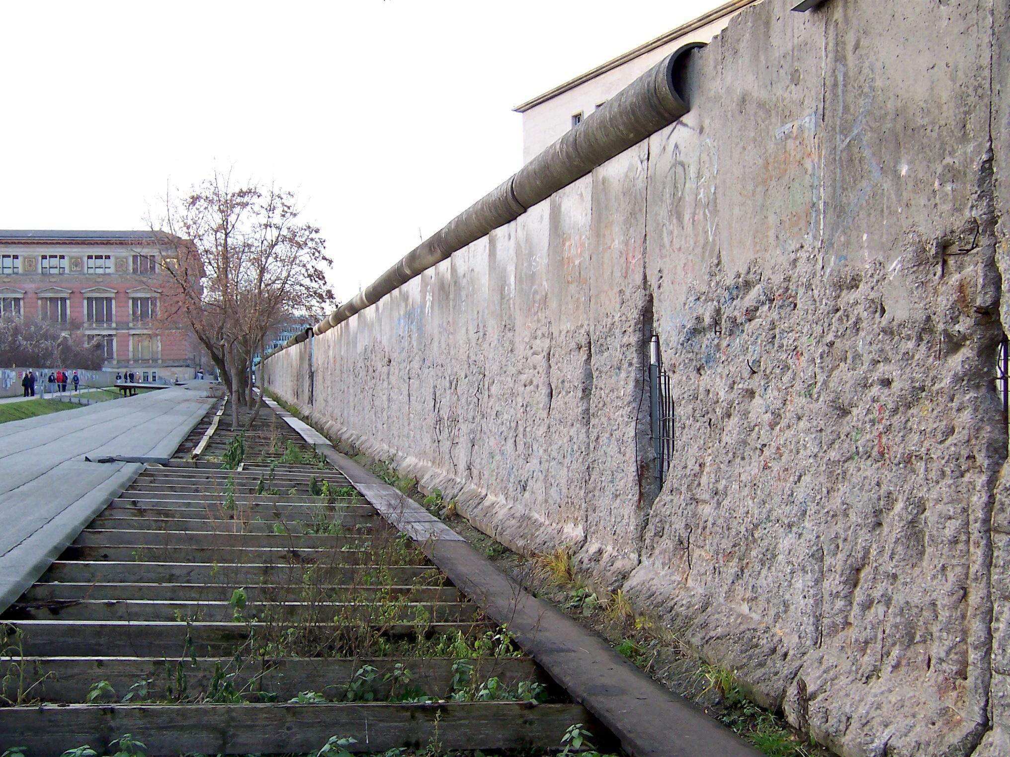 dateireste der berliner mauer niederkirchnerstra223ejpg