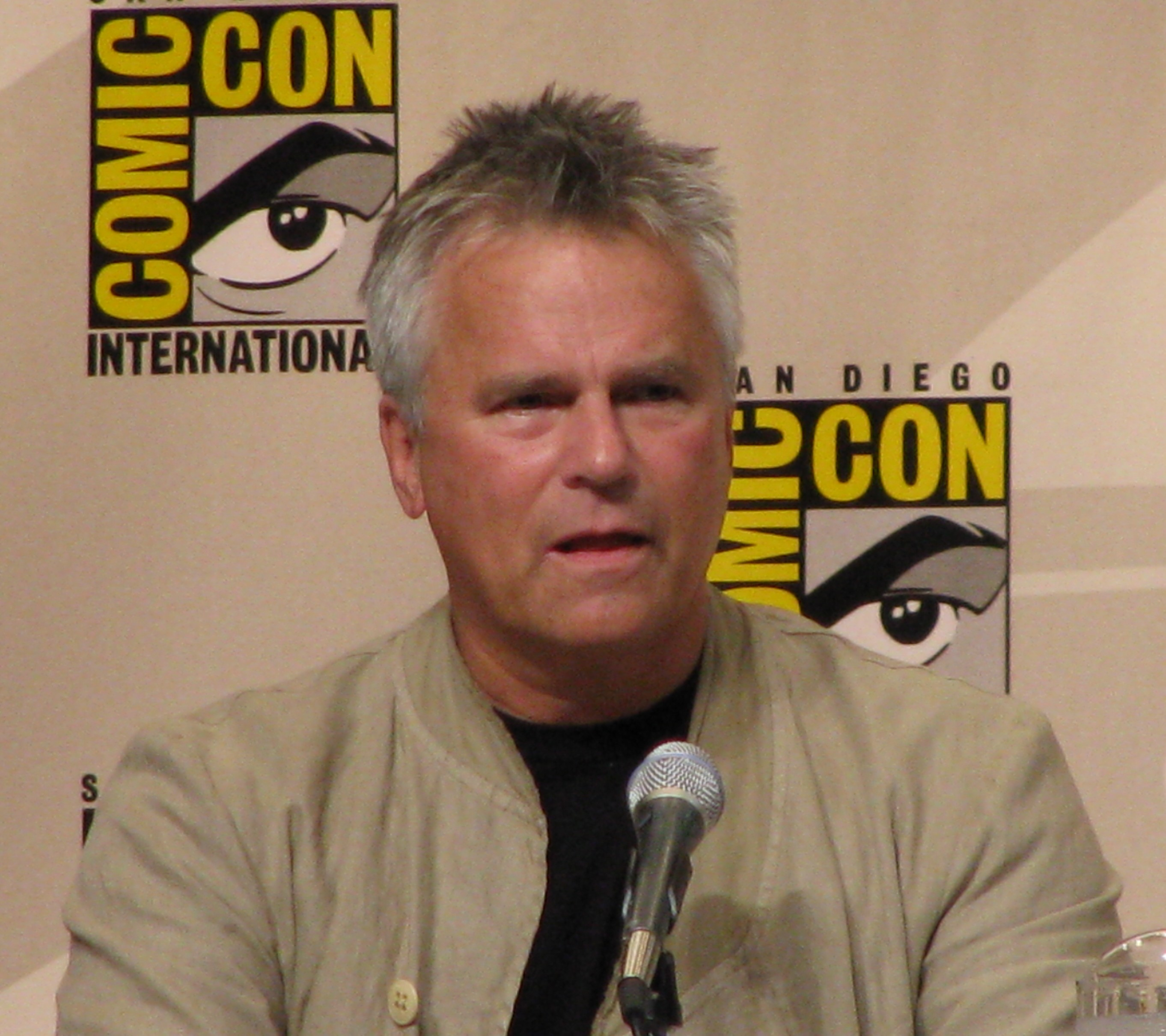 Richard Dean Anderson - Images Wallpaper