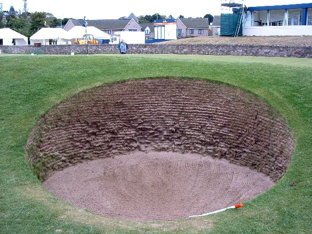 File:Road hole bunker.jpg