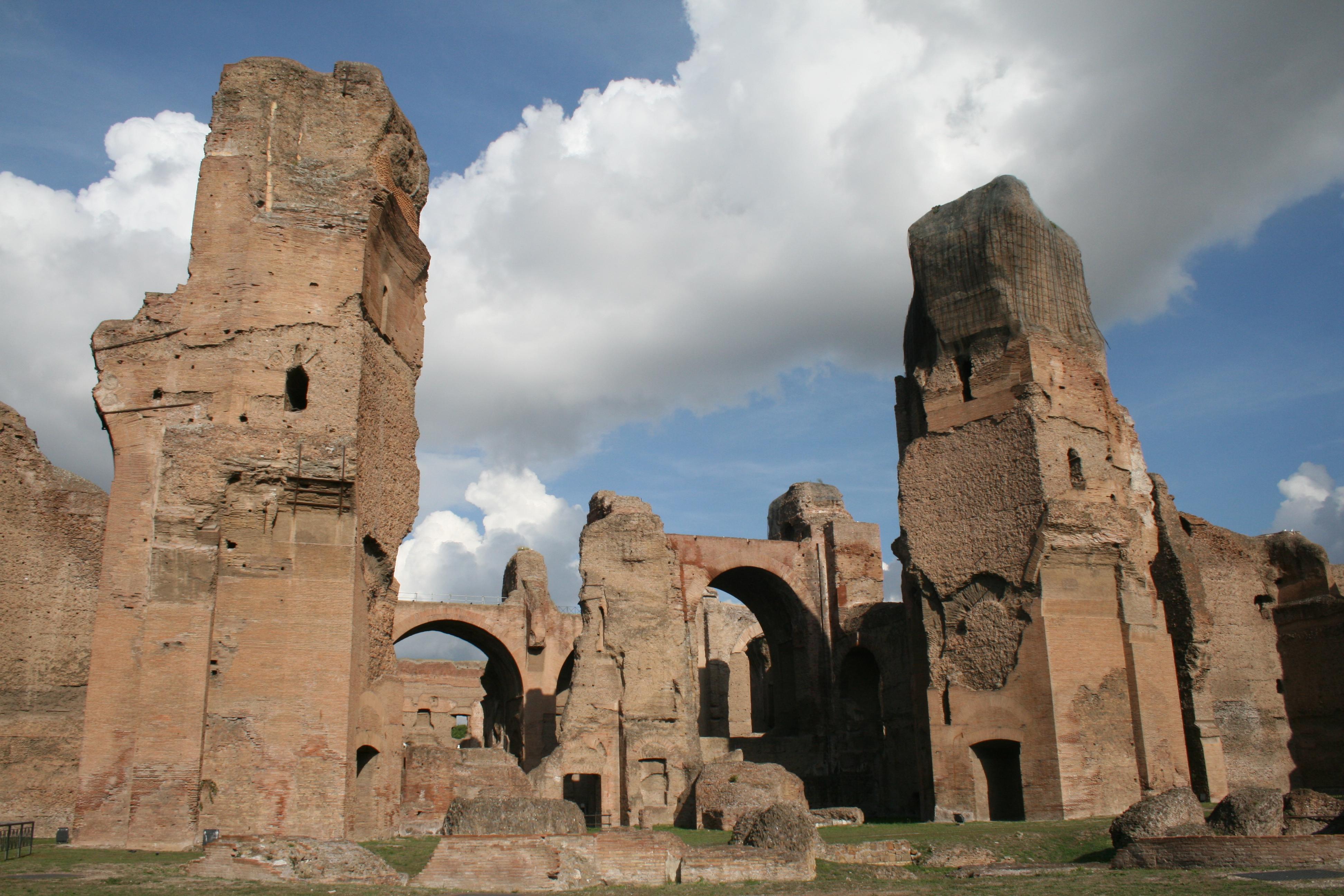 File:Rom Caracalla Thermen Von Süden.JPG