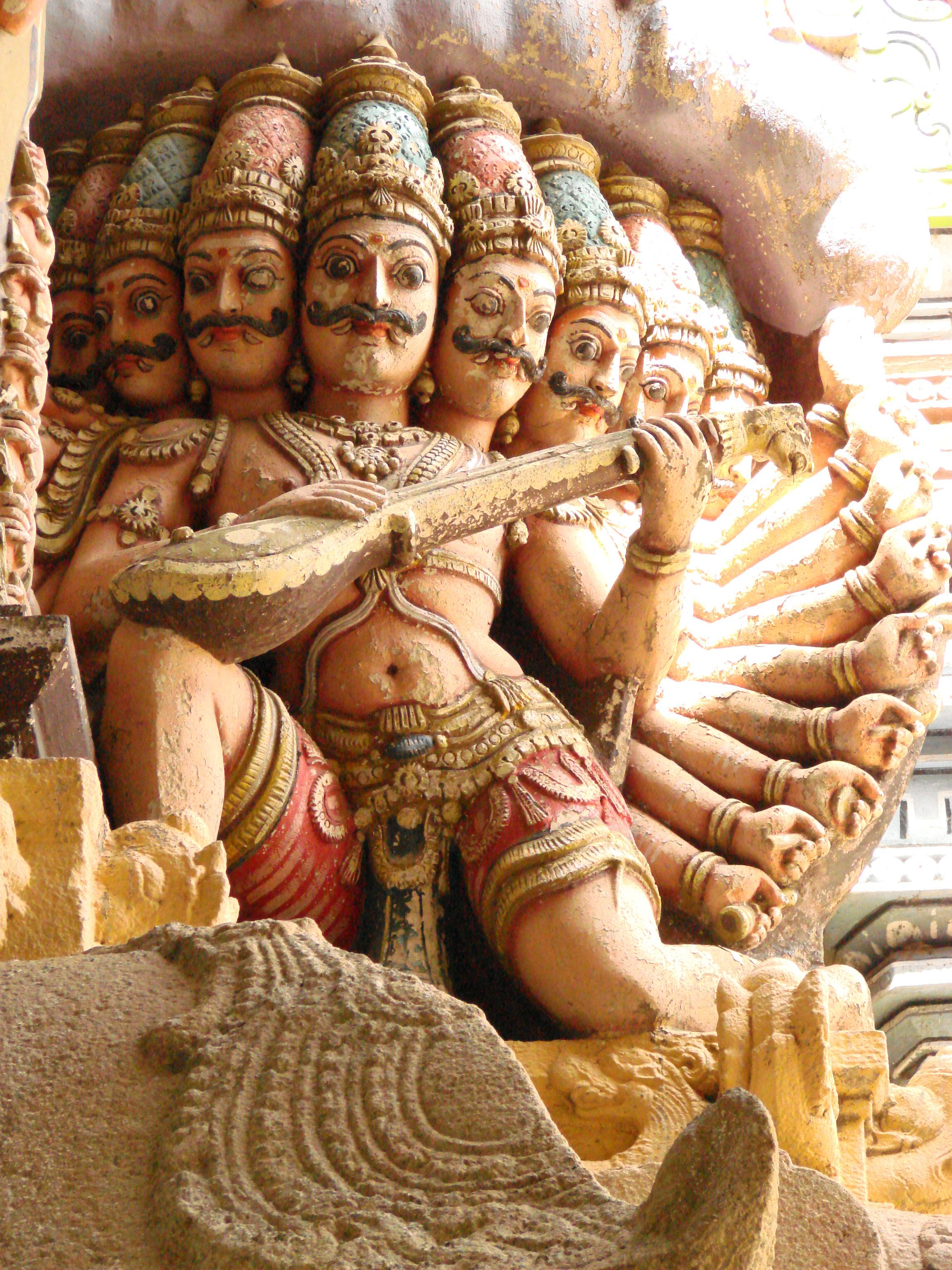 Indijsko vajarstvo - Page 2 Sculptures_-_Ivory_Sculpture_-_Sri_Meenakshi-Sundareshwarar_Temple_-_Madurai_-_India