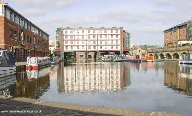 Sheffield Canal Basin - geograph.org.uk - 3055