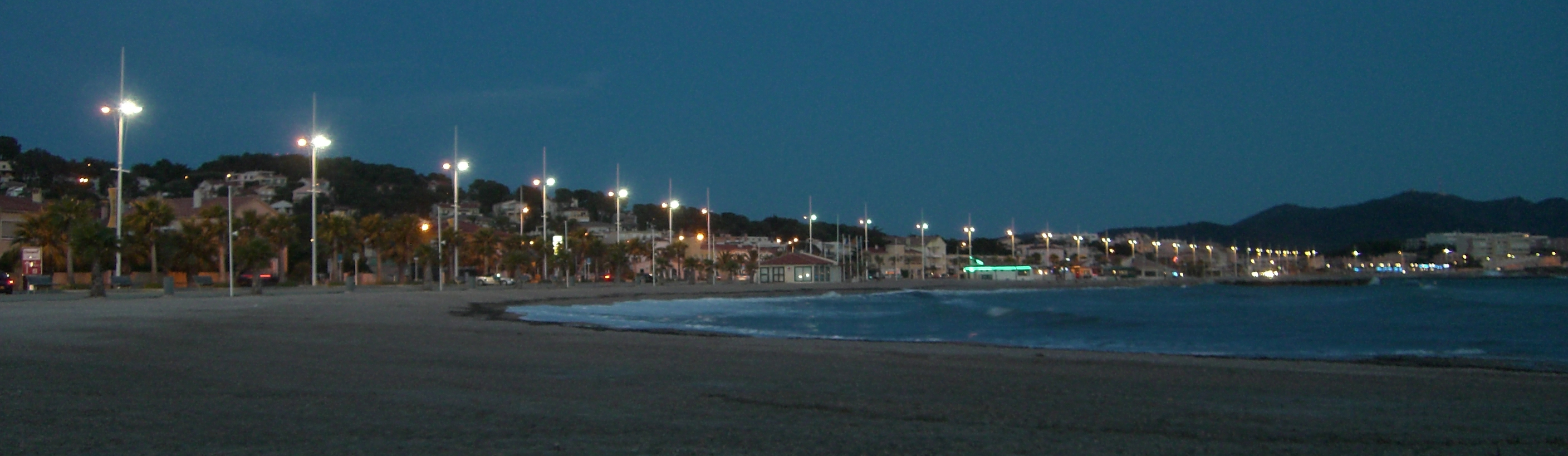 Six Fours Les Plages France  city photos gallery : Description Six fours les plages evening
