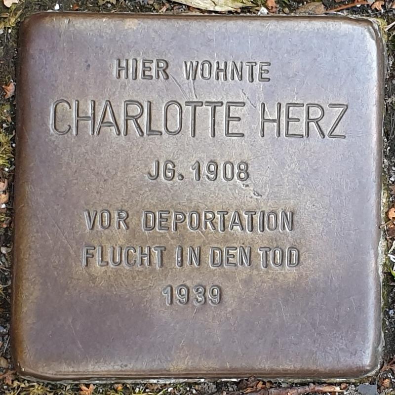Stolperstein Charlotte Herz (Schwelm).jpg