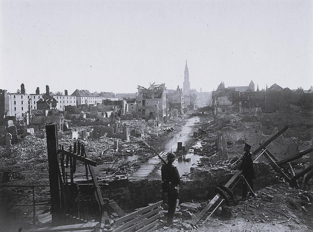 Strassburg vom Steintor aus 28 Sept 1870.jpg