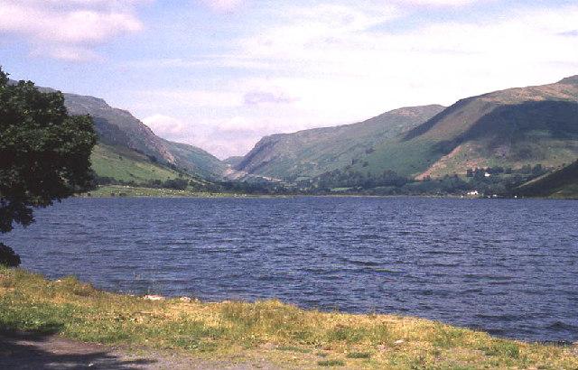 Tal-y-Llyn lake - geograph.org.uk - 95894