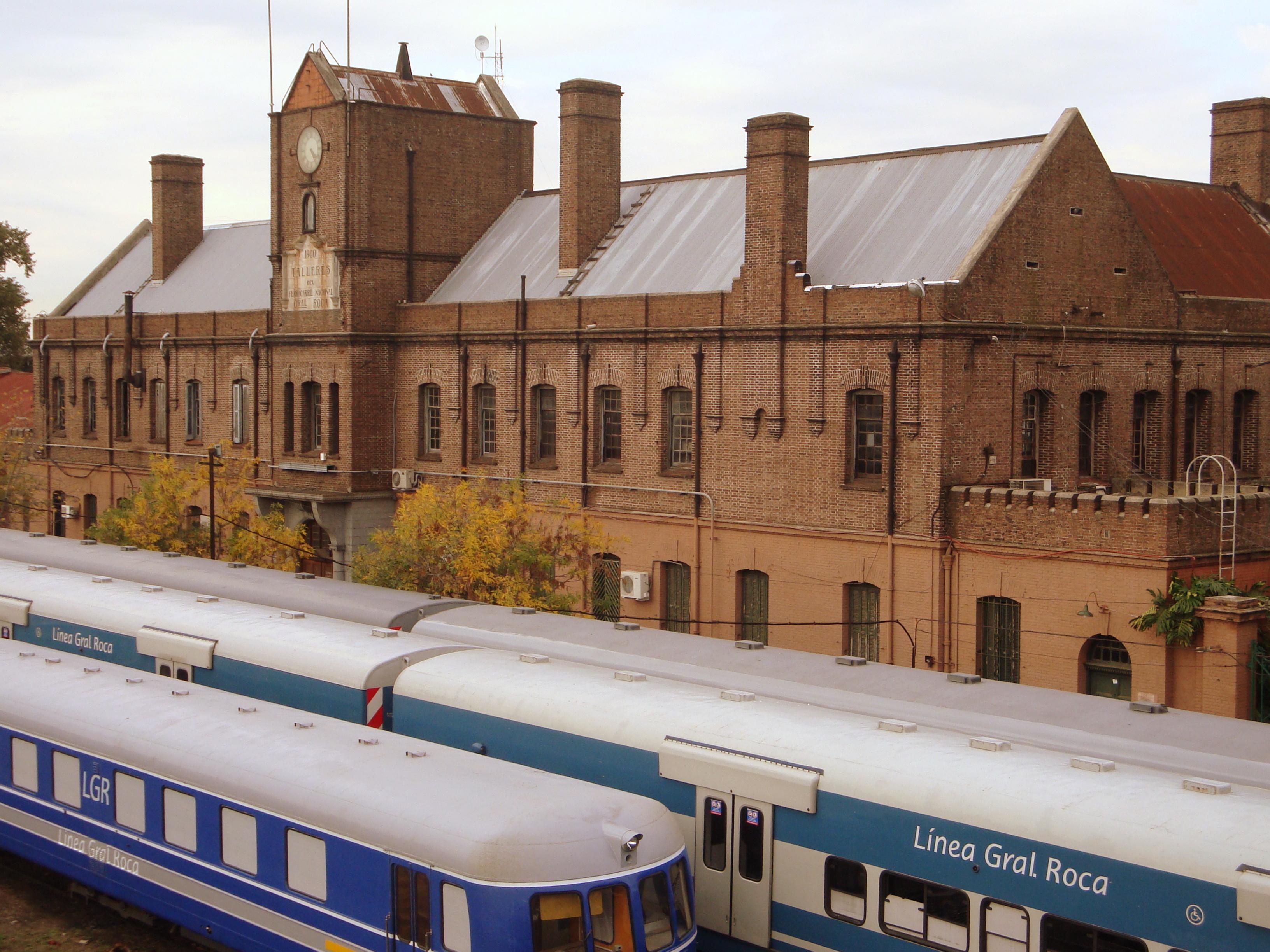 http://upload.wikimedia.org/wikipedia/commons/b/bd/Talleres_ferroviarios_de_Remedios_de_Escalada.jpg