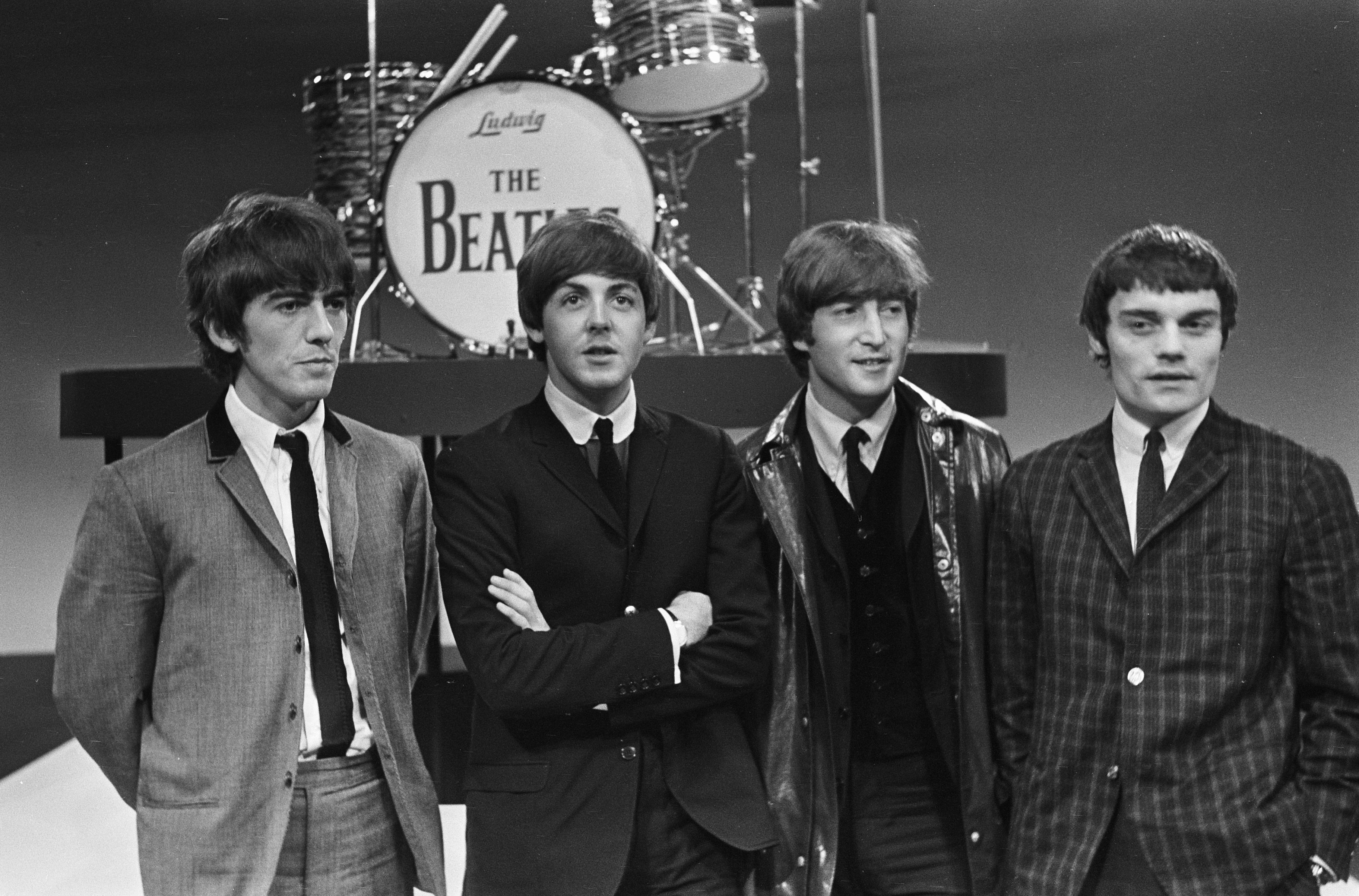 File:The Beatles with Jimmie Nicol 916-5098.jpg - Wikimedia Commons