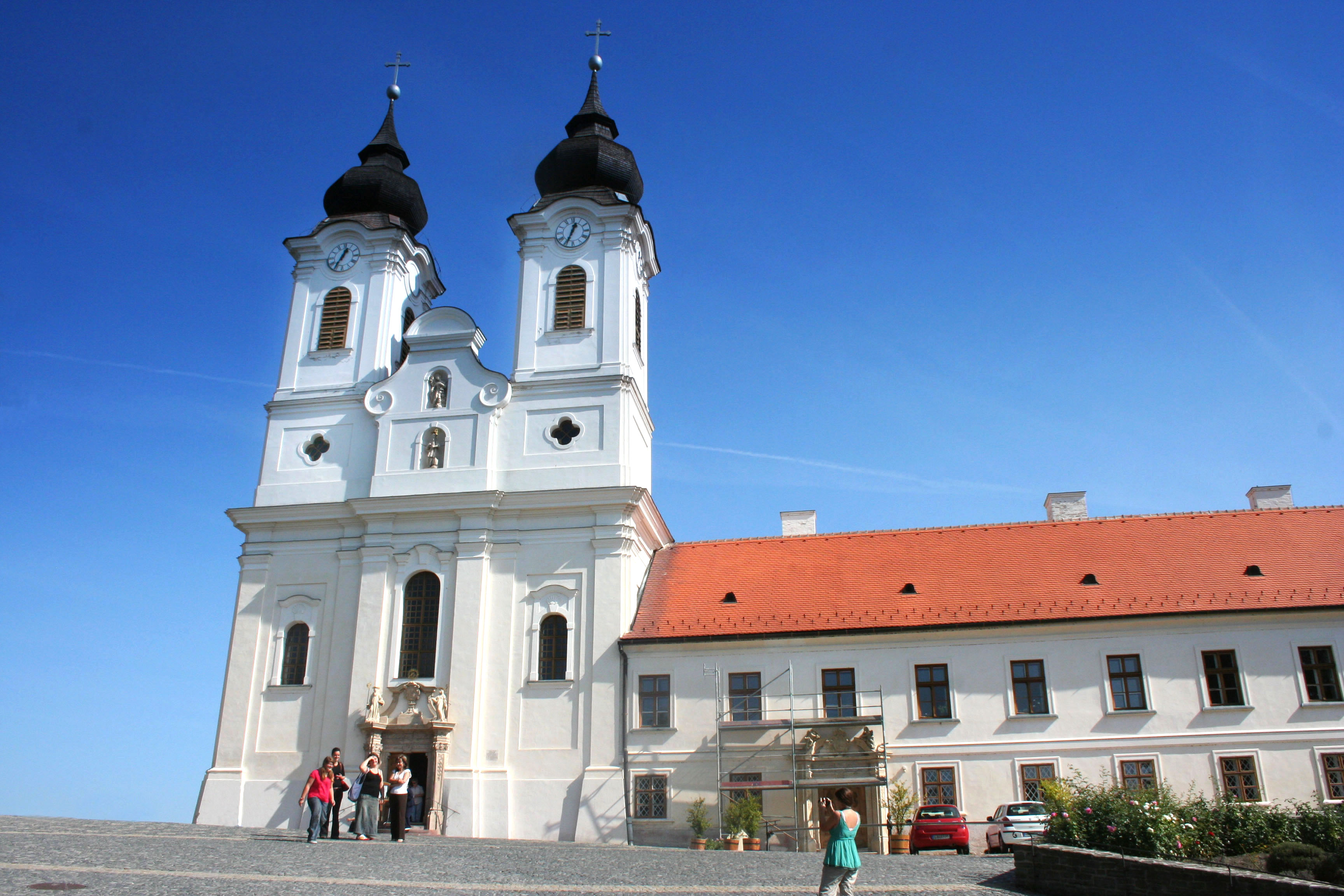 Tihany Hungary  city images : Tihany Abbey, Hungary Wikimedia Commons