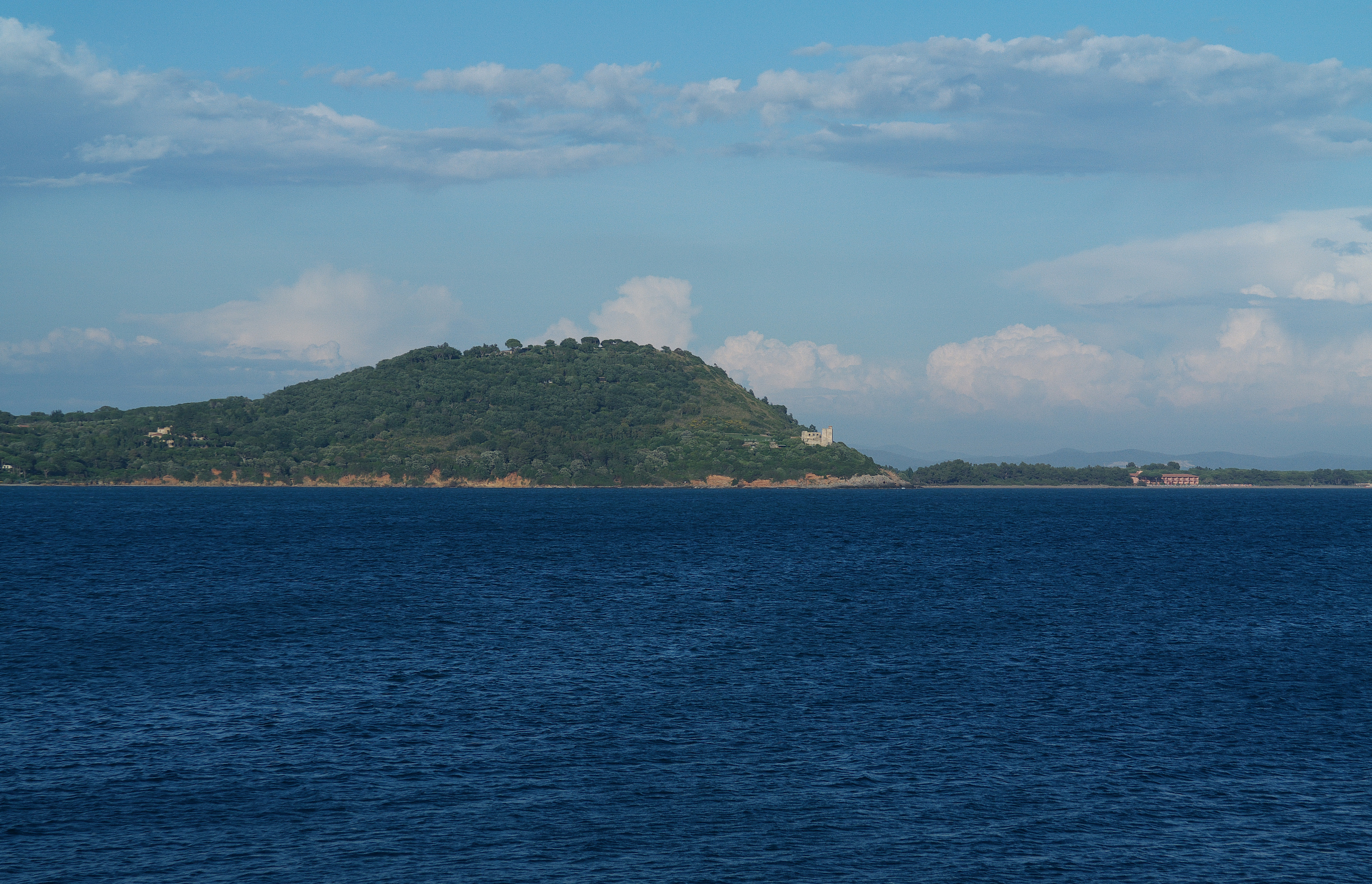 Talamone, Poggio Talamonaccio e la torre di Talamonaccio