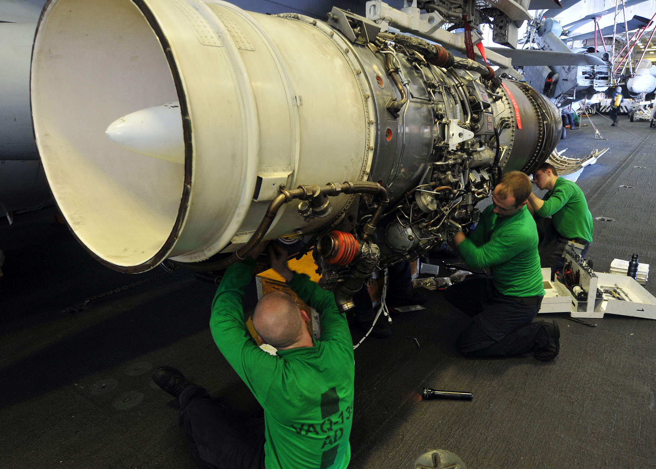 Fileus Navy 110426 N 1004s 078 Sailors Assigned To The Cougars Of Aircraft Engine Wiring