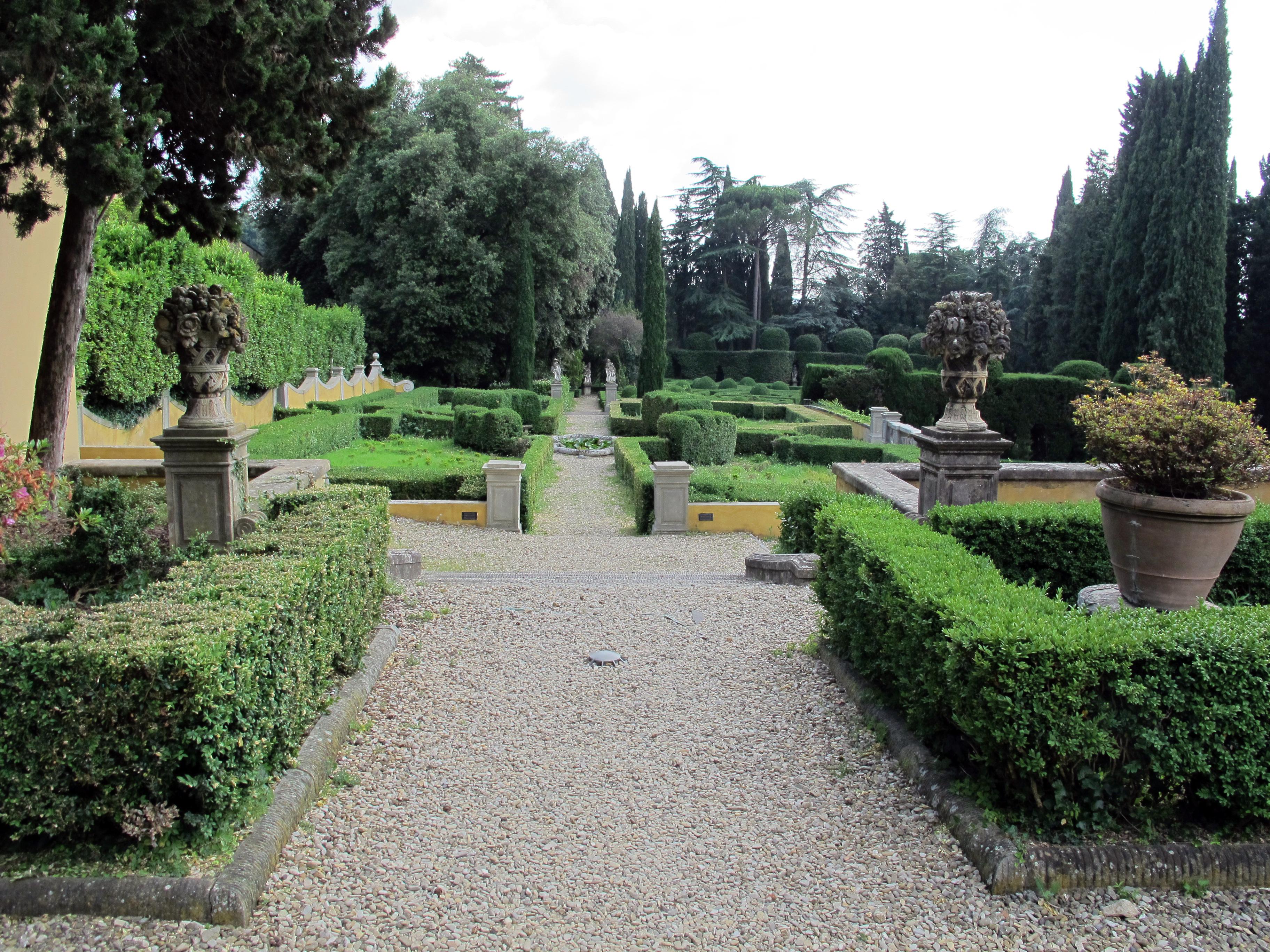 File:Villa schifanoia, giardino, prima terrazza 02.JPG - Wikimedia ...