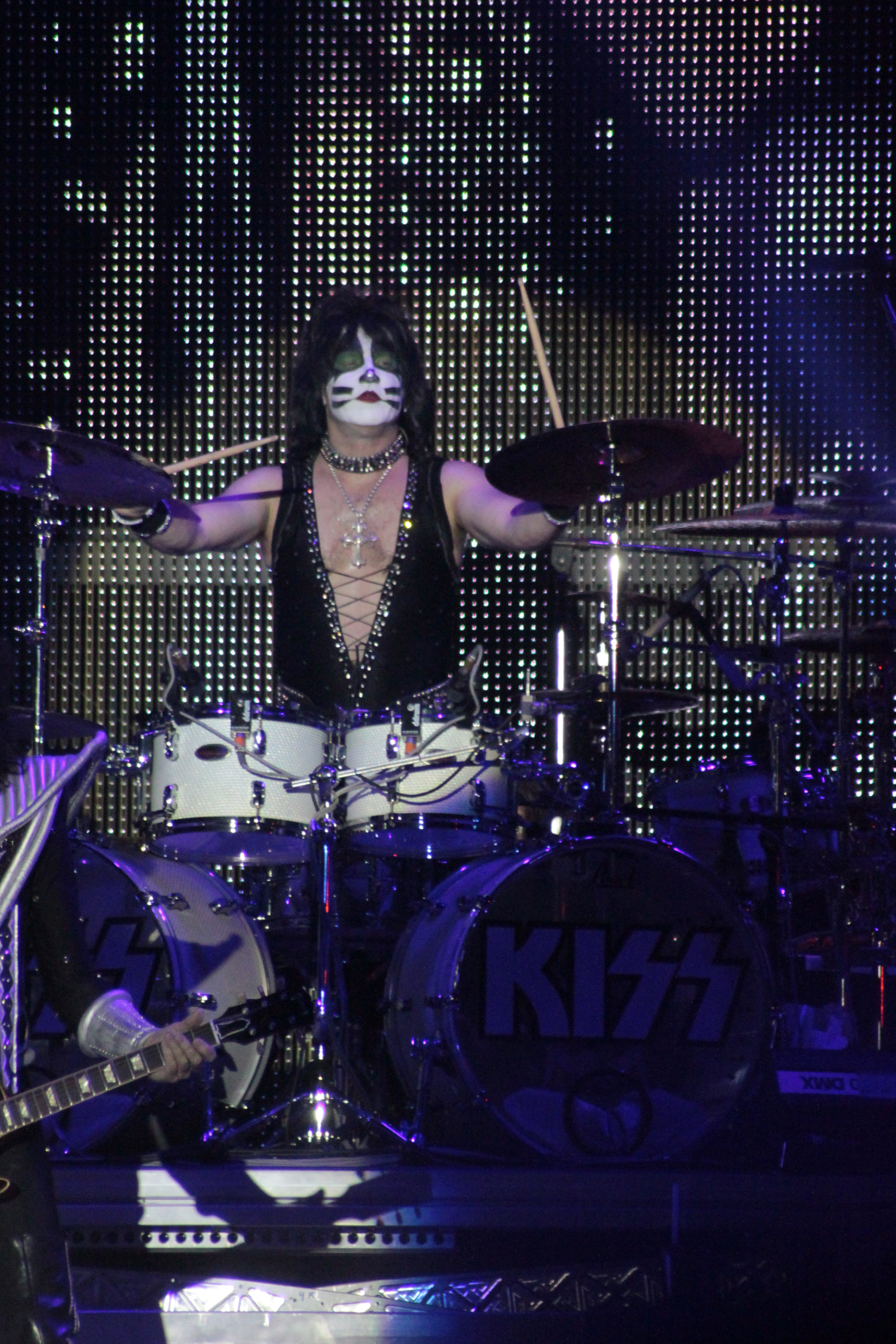 Description W0856-Hellfest2013 Kiss EricSinger 69970 JPGEric Singer Kiss 2013