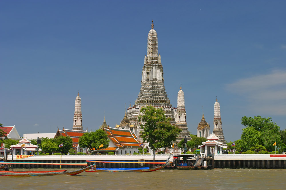 File:Wat Arun from Chao Phraya River.jpg - Wikipedia, the free ...