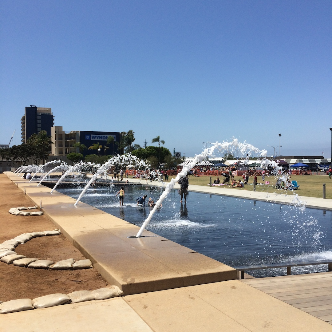 File:Waterfront Park, San Diego County Administration Center 1.jpg -  Wikimedia Commons