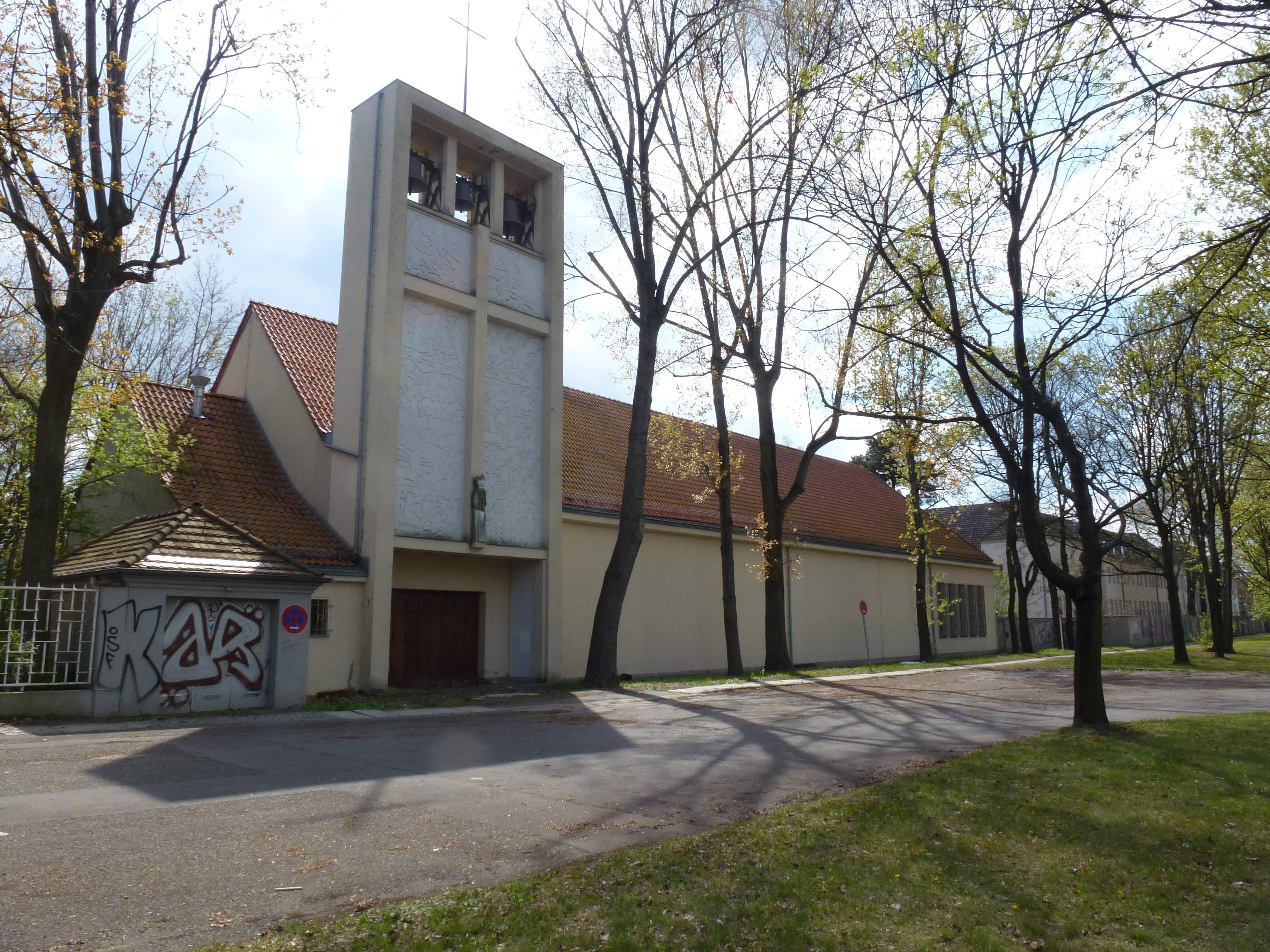 File Wedding Kurt Schumacher Damm St Louis Kirche Jpg Wikimedia